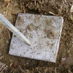 02 Messen mit der Baulehre auf gesetztem Stuetzenfundament